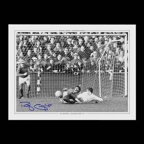 Ray Crawford Signed Colchester United Photo - 1971