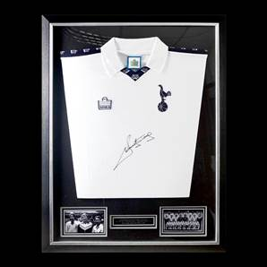 Ricky Villa Personally Signed Tottenham Hotspur Football Shirt - 1978 Home, Framed