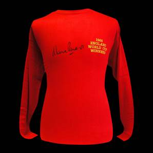 Martin Peters Personally Signed 1966 England World Cup Winners shirt