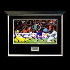 Leo Messi Signed and Framed Picture - El Clasico Goal