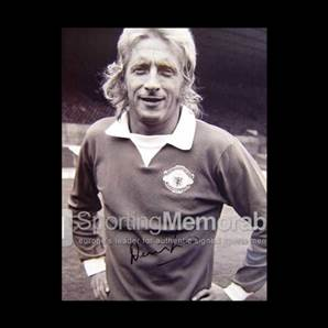 Denis Law signed print - The Great Entertainer