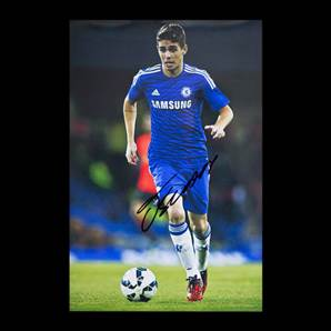 Oscar Dos Santos Signed Chelsea Photo - Small