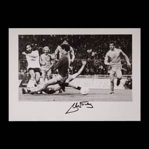 Ricky Villa Signed Photo - Tottenham Hotspur Legend