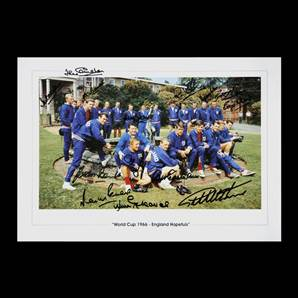 England 1966 World Cup squad signed print - England Hopefuls