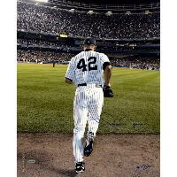 Mariano Rivera 2006 Entering The Game Color Signed 16x20 Photo